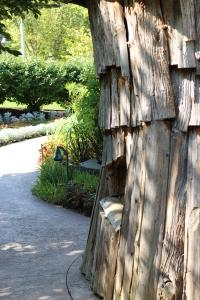 hut and walkway at Meijer Gardens